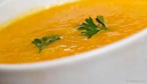 Répás-kókusztejes krémleves curryvel és gyömbérrel